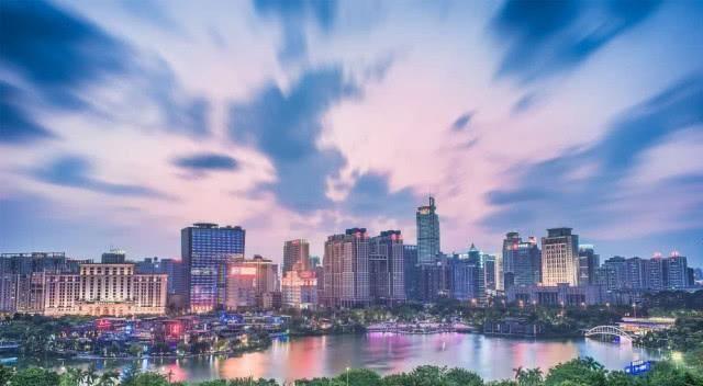 桂林■广西继南宁之后,又一座城市有望晋升二线,不是桂林也不