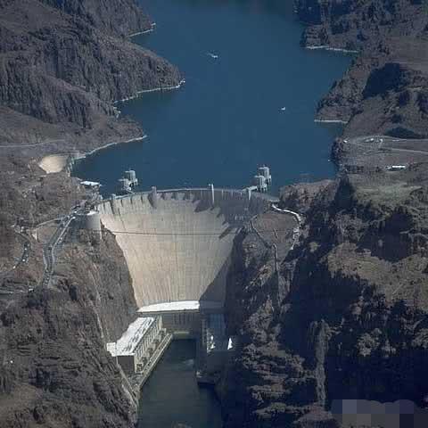 人类工业奇迹之胡佛水坝:浇筑水泥完全冷却需花125年,一方法巧妙解决