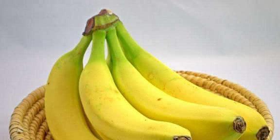 这个季节常吃香蕉和葡萄,原来好处和功效有这么多