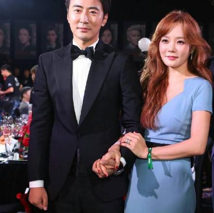 《色即是空》女星怀孕了,富二代中国老公比她